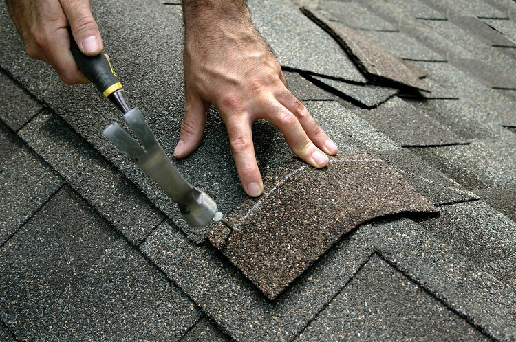 The Right Contractor Makes a Big Difference with Your Roofing Repairs